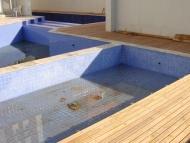 Deck de madeira da piscina